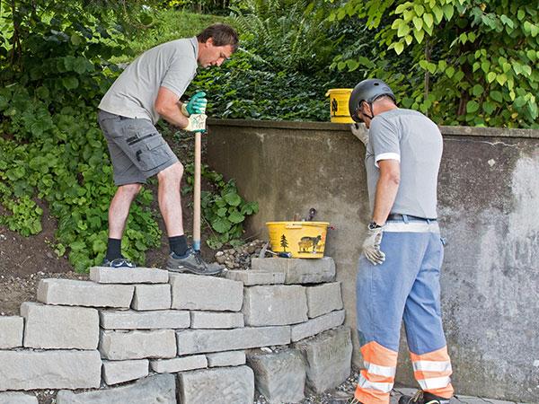 Bild vom Bau einer Stützmauer